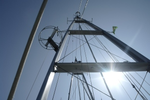The insane 55m high A-frame masts.